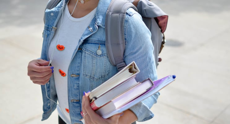 6 College Scholarships Latinos Should Apply To Right Now